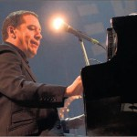 Jools Holland brengt swing op Ribs & Blues